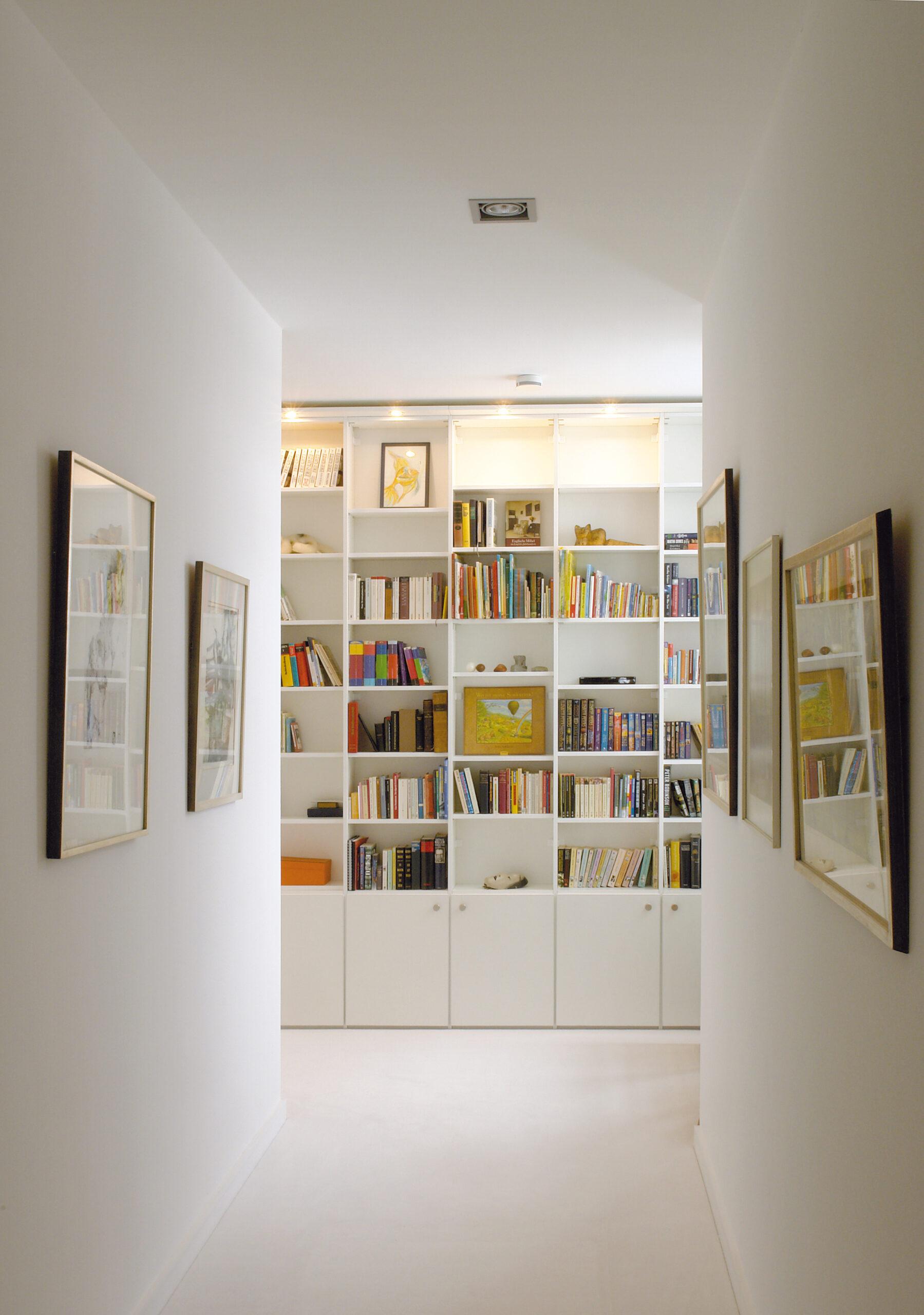 Bookshelf_45