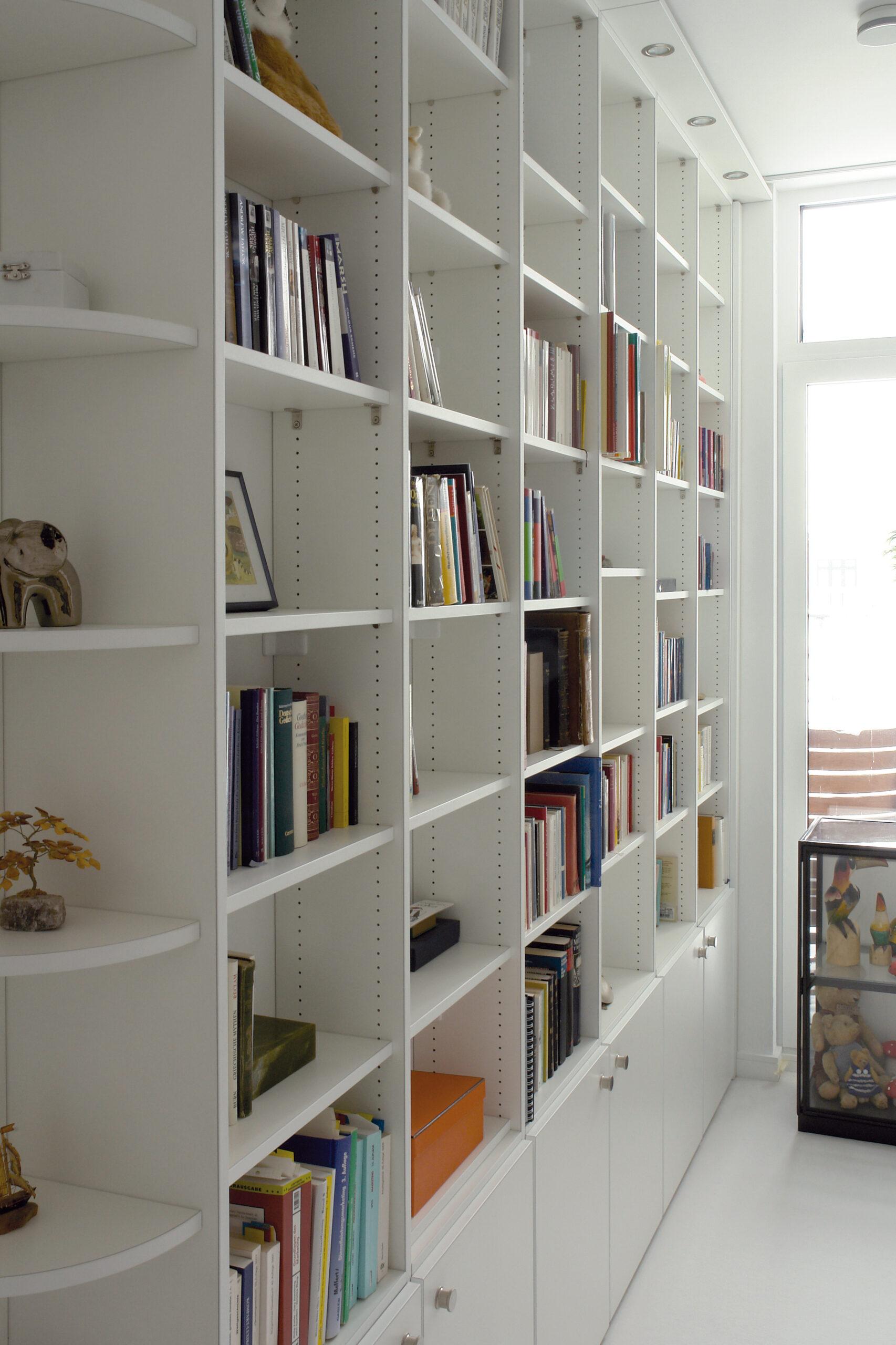 Bookshelf_46