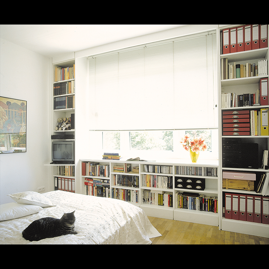 Bookshelf_09