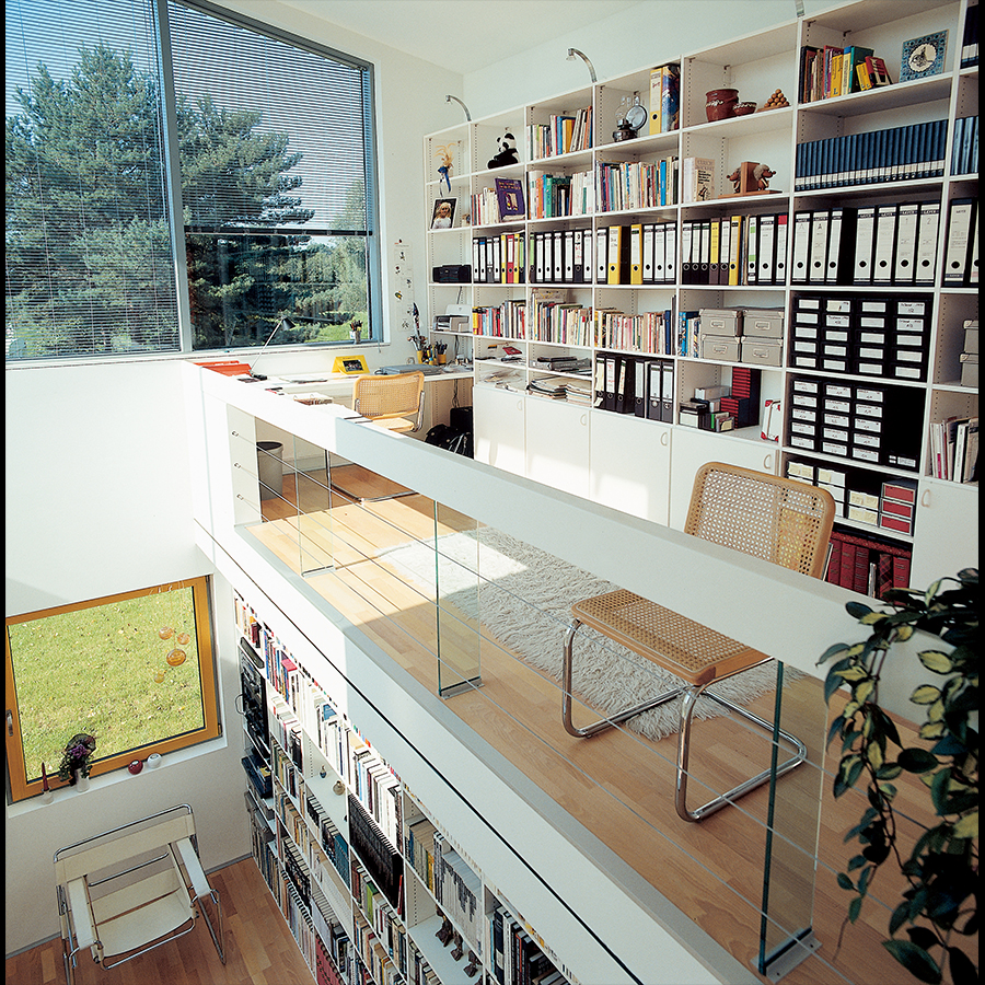 Bookshelf_13