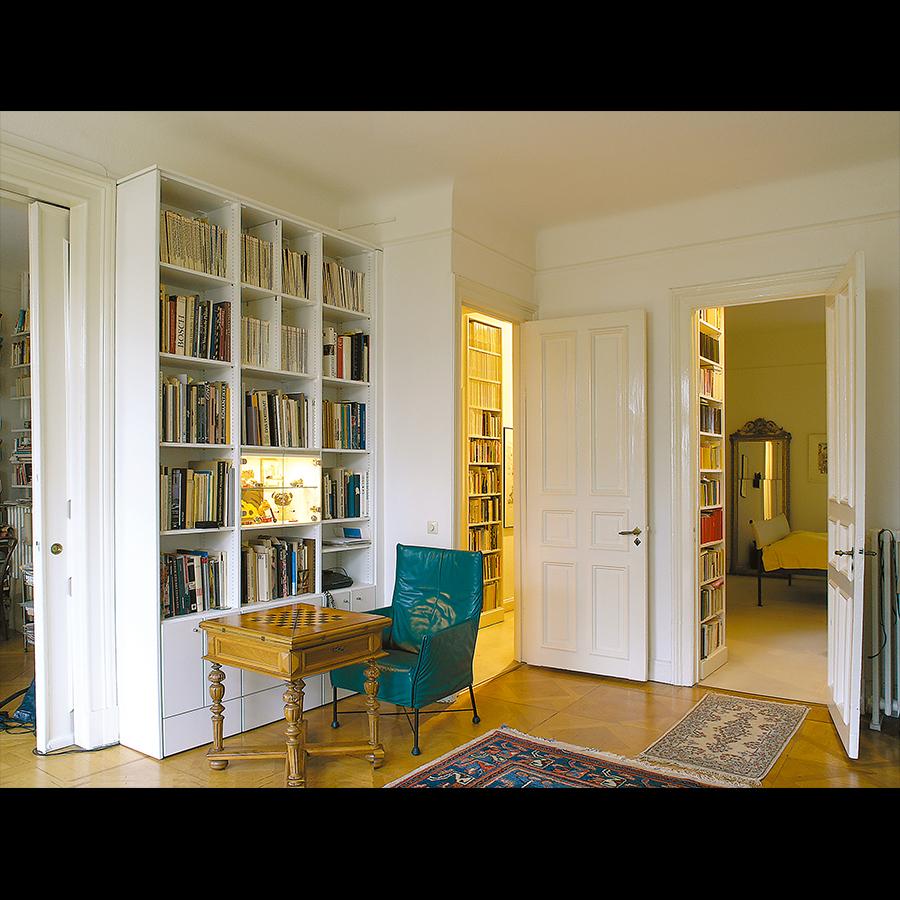 Bookshelf_17