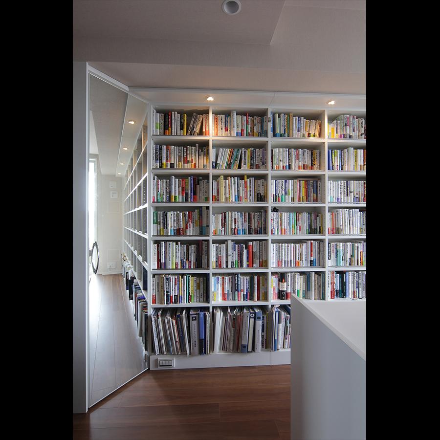 Bookshelf_23