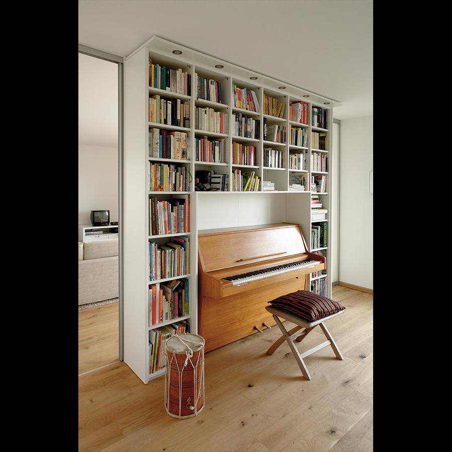 Bookshelf_31