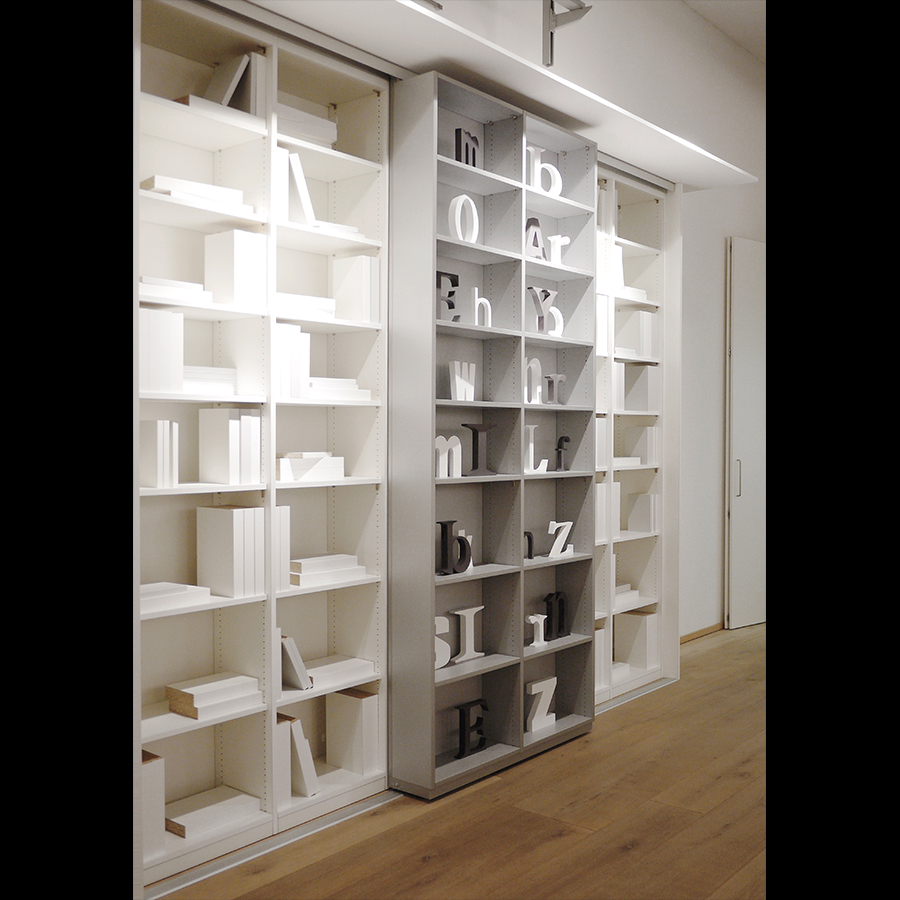 Bookshelf_33
