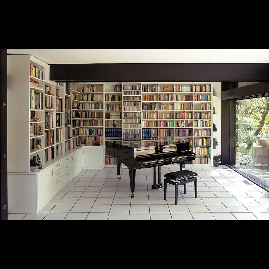 Bookshelf_47