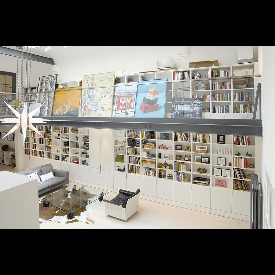 Bookshelf_51