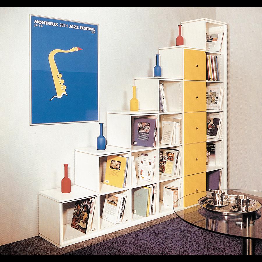Bookshelf_52