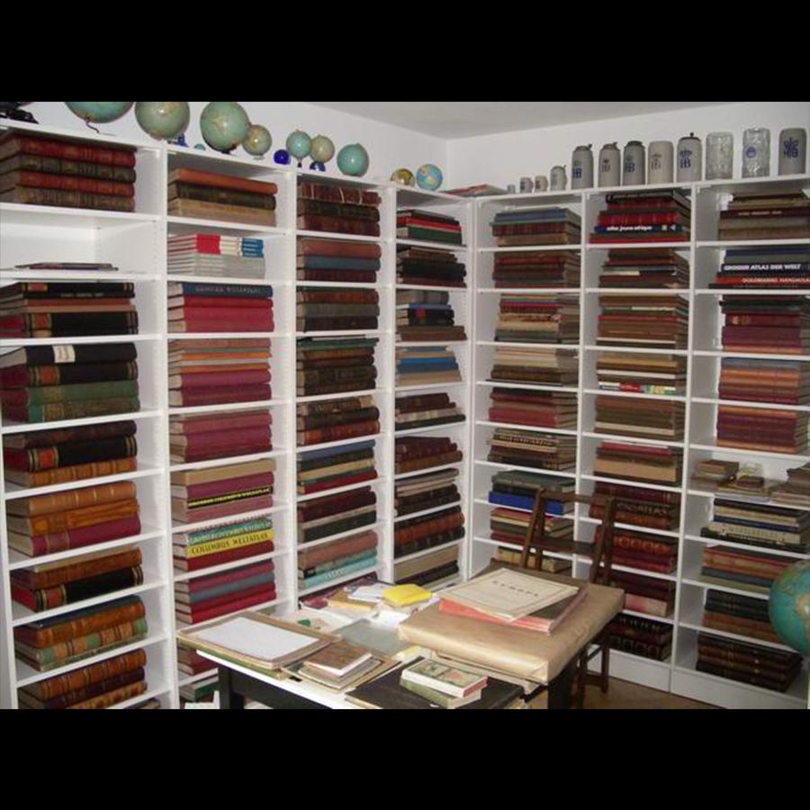 Bookshelf_61