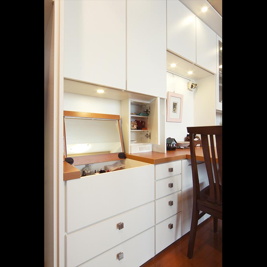 Dresser_08