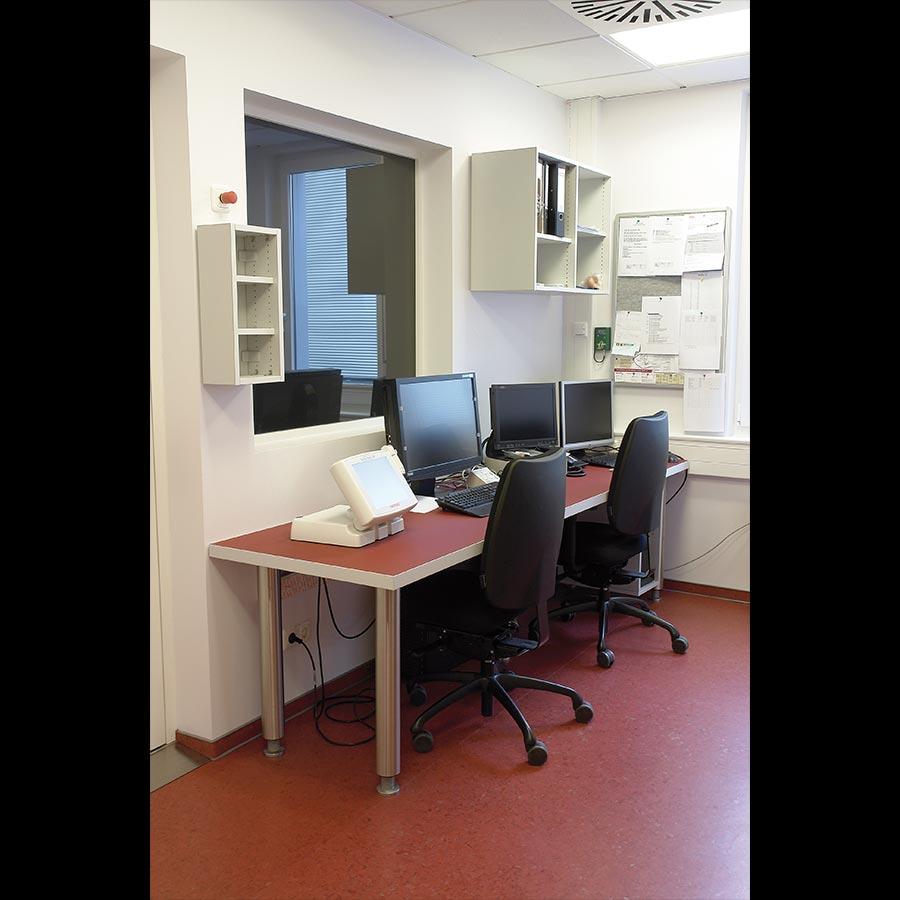 Hospital desk_06