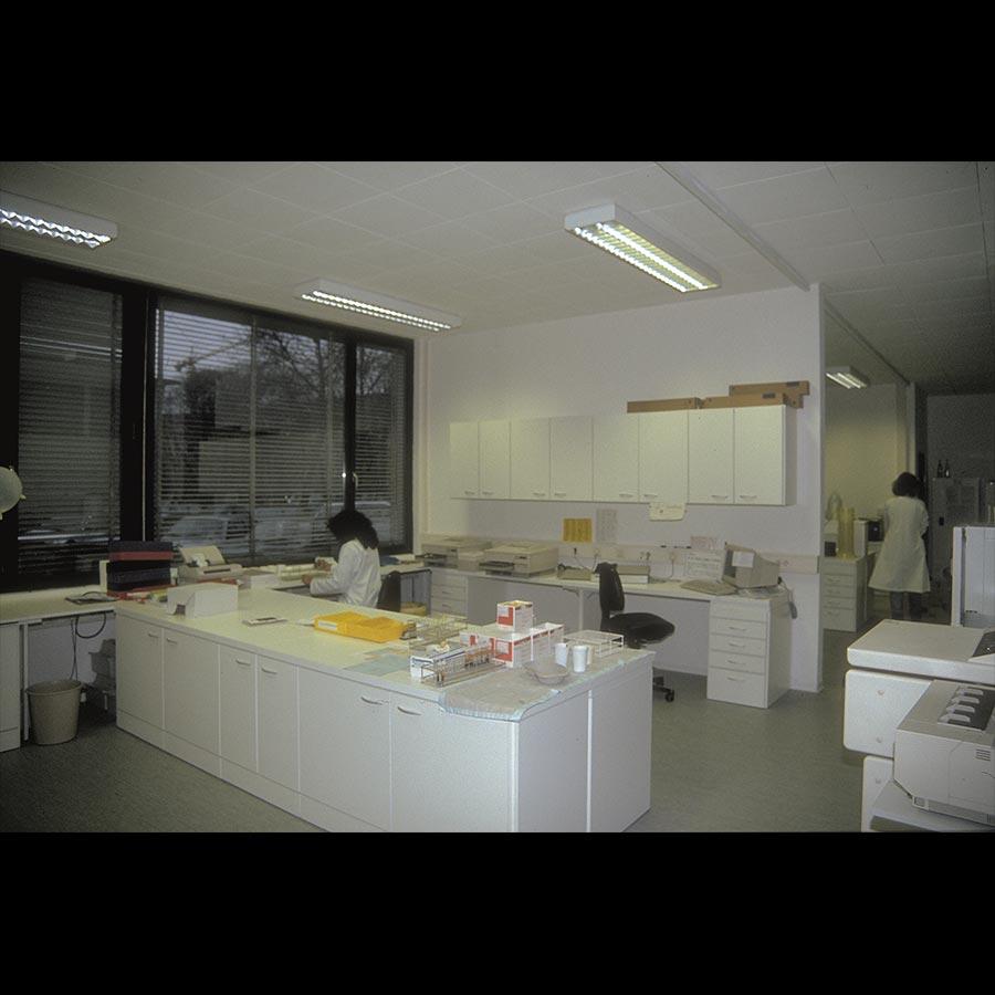 Hospital desk_12