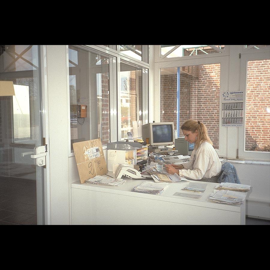 Information-desk_30
