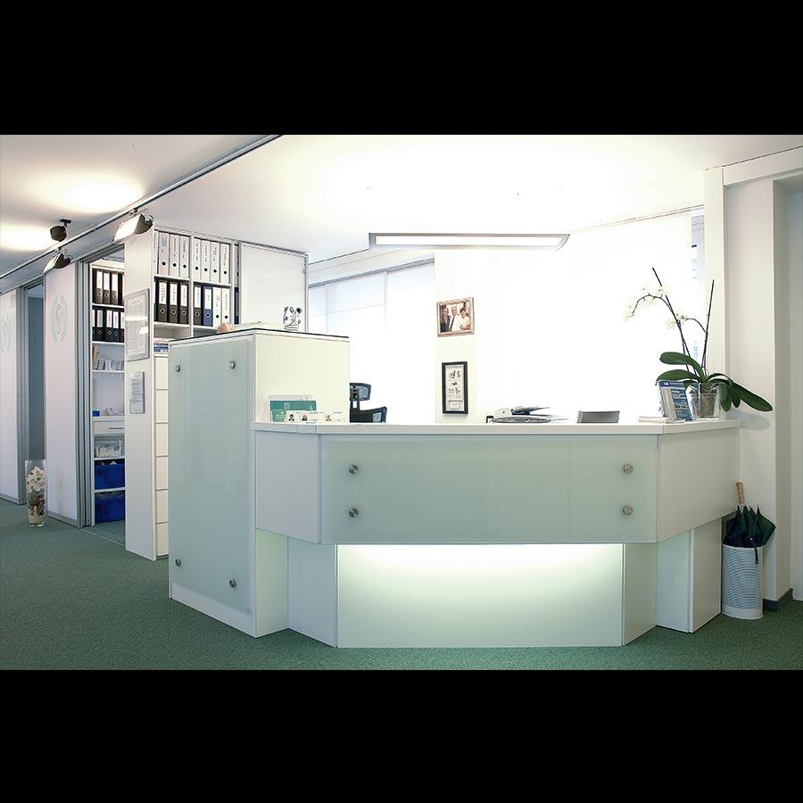 Information-desk_37
