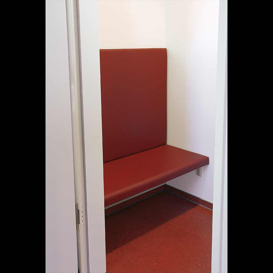 Waiting-room_11