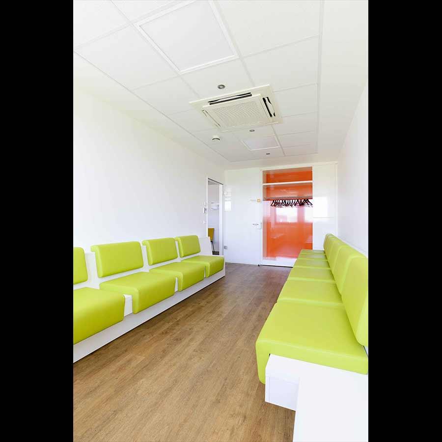 Waiting-room_15