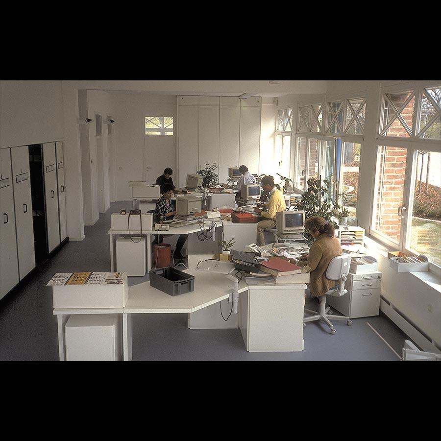 Working-desk_51